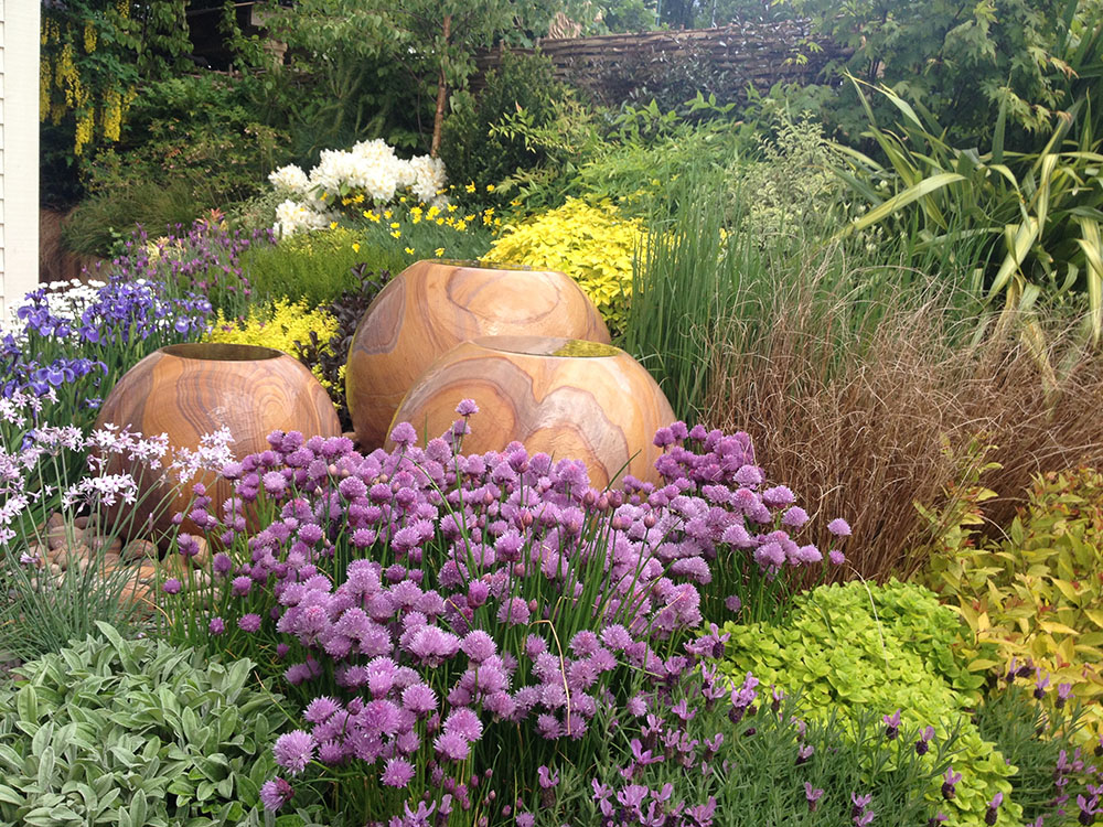 Pots and beds